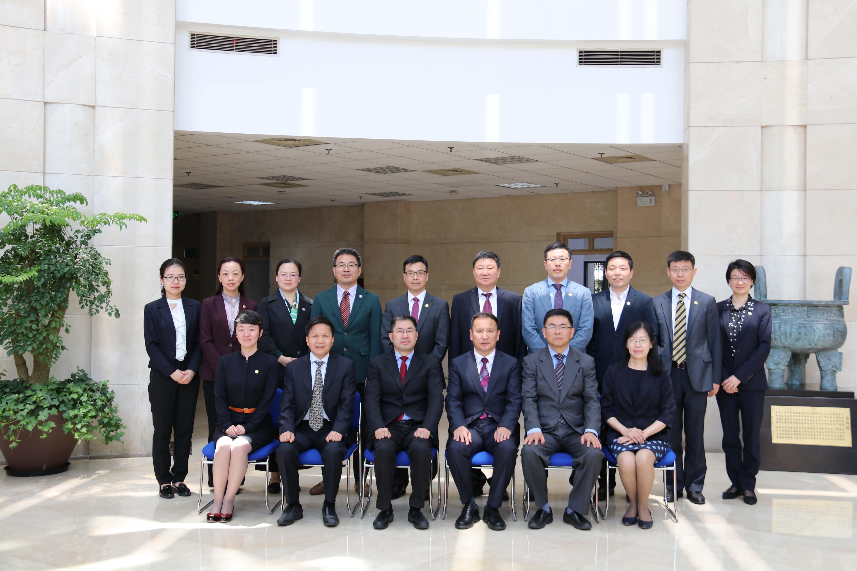 新疆财经大学与上海财经大学签署协议 (25).JPG
