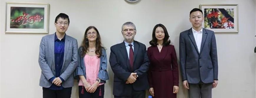 葡萄牙里斯本大学学院(ISCTE-IUL)商学院院长来访上财商学院